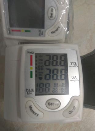 Тонометр измерител артериального давления на запястье пульсометр