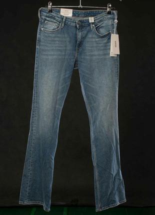 Новые стрейчевые прямые джинсы bootcut. h&m denim.