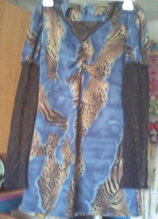 Отличное платье- туника с гипюром