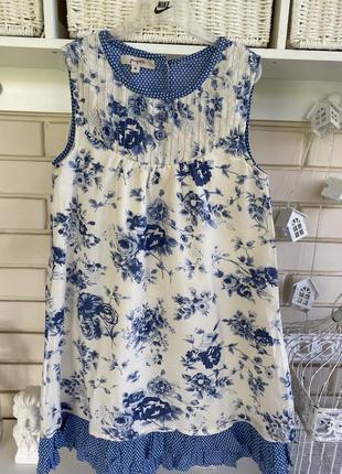 Очаровательное батистовое платье в цветочный принт