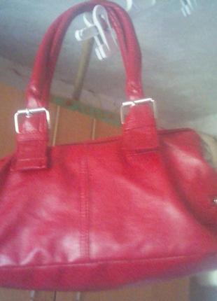 Маленькая миленькая сумка на три отделения