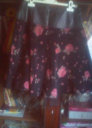 Юбка  в розы на подкладке пот-37см