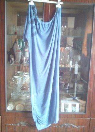 Платье  на одно плечо с одним рукавом