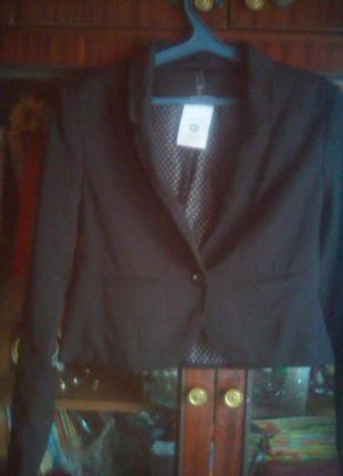 Укороченный лёгкий пиджак с биркой