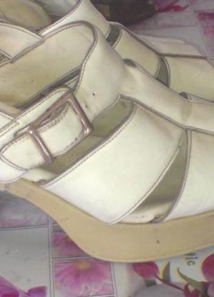 Классные босоножки на широком каблуке-natur-comfort