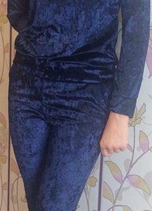 Велюровый женский спортивный костюм отличного качества