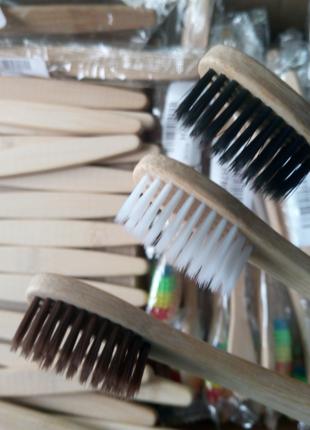 Зубная щетка бамбук.