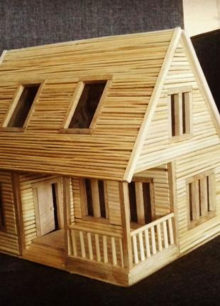 Домик для кукол. Игрушечный домик для ребенка. Кукольный домик