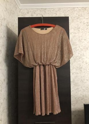 Нарядное платье с люрексовой нитью boohoo, новое!
