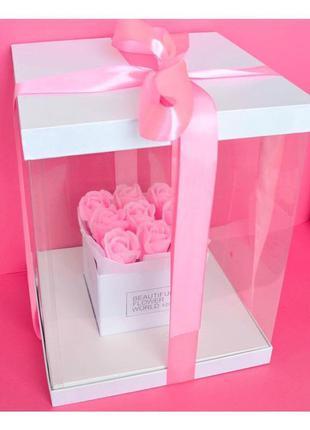 Большая коробка неувядающих ароматных роз