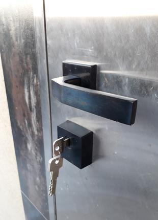 Барахлит или заклинил замок? Сломался ключ в замке?