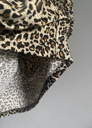 Майка кофта леопардовая с золотым кольцом на груди