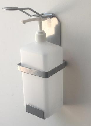 Серый локтевой дозатор для мыла и антисептика с 1 л тарой,