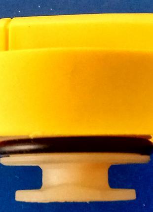 Крышка маслозаливной горловины Renault Kangoo 1.9D