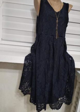 Платье темно синее, кружево