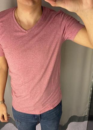 Базовая розовая футболка smog есть размеры