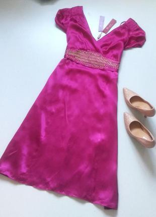 Очень красивое платье натуральный шелк с украшенным поясом