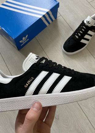 Adidas gazelle black white женские