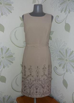 Платье футляр миди бежевое  с вышивкой