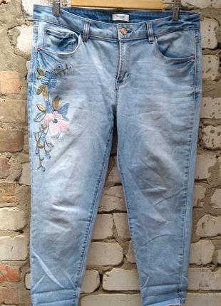 Kensie джинсы размер 31-32 вышивка