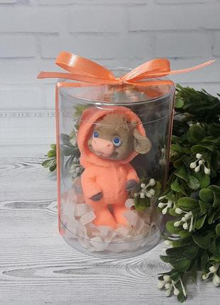 """Мыло ручной работы на подарок """"бычок яшка в комбинезоне"""" оранж..."""