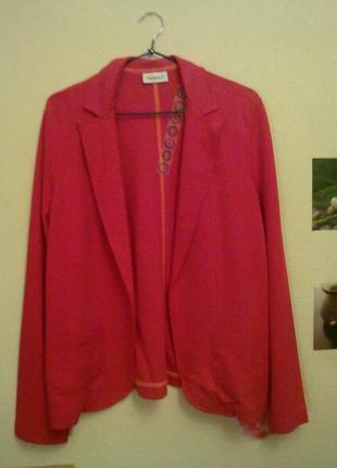 Стильный яркий пиджак кораллового цвета yessica вискоза