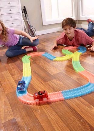 Гоночная трасса Магик Трек Glow Tracks 3,2м из ABS пластика 220 д