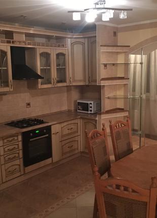 Квартира с хорошим ремонтом в доме АББО
