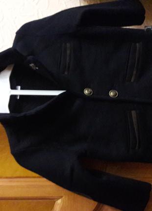 Трикотажный пиджак на утеплителе