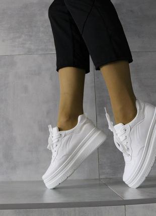 Стильные белые кроссовки на платформе,модные белые кеды на пла...