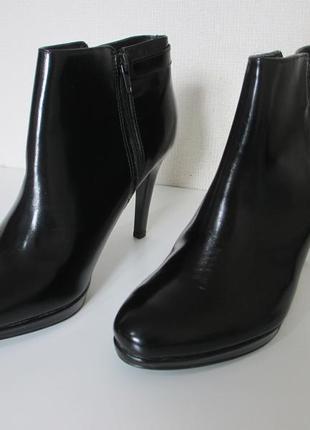 Женские кожаные лак деми ботинки ботильоны minelli франция ори...
