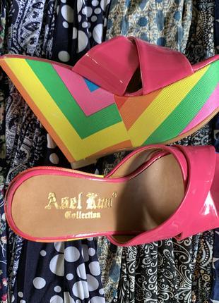 Летняя обувь на радужной платформе шлёпки