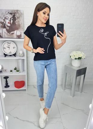 Женская черная  футболка с принтом. размер 46-48