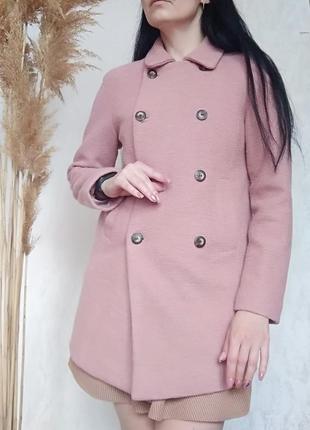 Шикарне пальто пудровий колір від zara.