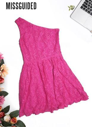 Платье на одно плечо missguided