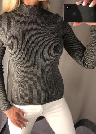 Серый свитер в рубчик с горлом. amisu. fbsister. размеры л и хл.