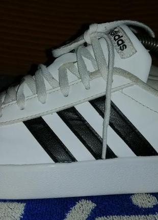 Кроссовки, кеды, слипоны adidas