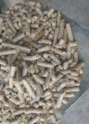 Пеллети з міскантуса для туалетів домашніх тварин