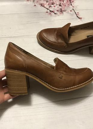 Туфли модные толстый каблук кожа new look