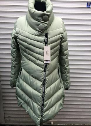 Подовжена куртка по фігурі, осінь-зима.