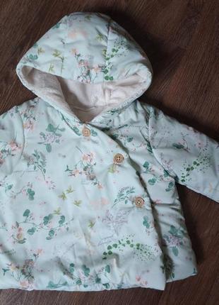 Стильная брендовая куртка малышке от рождения до 6 месяцев