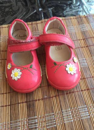 Туфли на девочку clarks, 22 размер