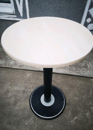 Высокий круглый стол