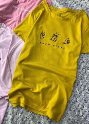 Яркая хлопковая футболка с принтом primark
