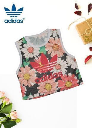 Топ в цветочный принт в сетку adidas