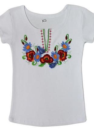 Отличная женская футболка - вышиванка