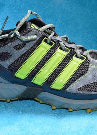 Кроссовки adidas  kanadia tr4 48 размер
