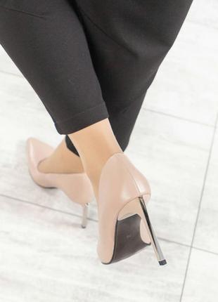 Туфли на шпильке  натуральная итальянская кожа бежевая пудра