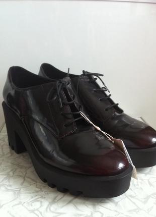 Туфли броги полуботинки stradivarius 39