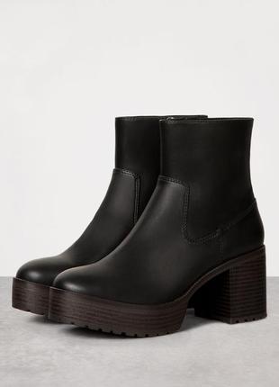 Сапоги ботинки ботильоны на платформе и широком каблуке bershk...